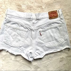 White Levi's 501 Jean shorts